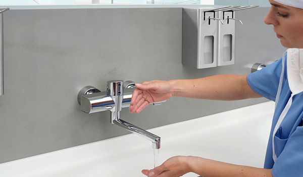 Up to 80% of the most common diseases are transmitted by touch, which is why touchless faucets are becoming a standard in hospitals.