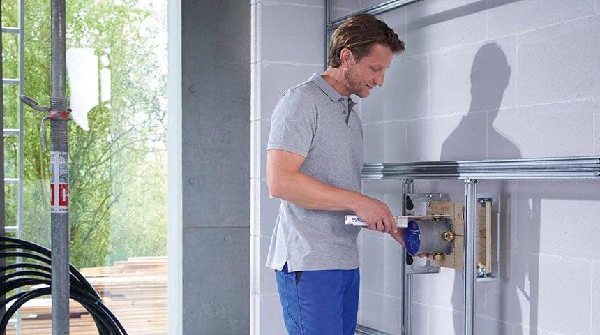 : Mit HANSABLUEBOX ist die Installation von Unterputzsystemen für Bad und Dusche ganz einfach