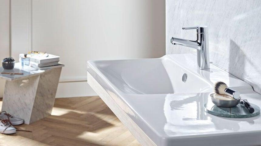 Eengreepskranen vereisen slechts één installatiegat, waardoor ze voor de meeste wastafeldesigns perfect geschikt zijn.