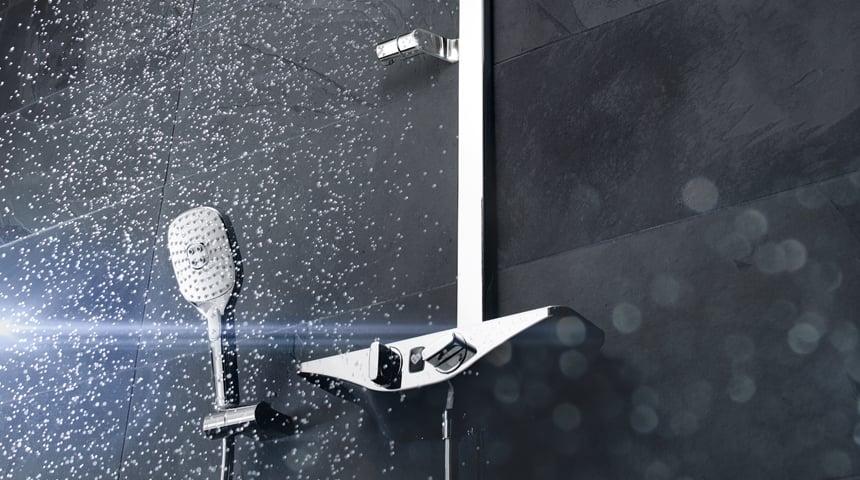 Das HANSAEMOTION Wellfit Duschsystem sorgt für Wellnessfeeling im Bad. Foto: Hansa Armaturen GmbH