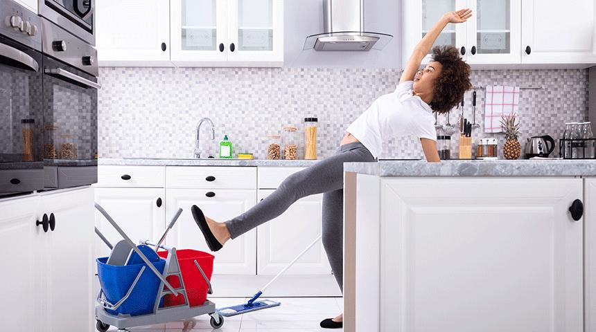 Sicurezza in cucina: 5 modi semplici per evitare scivolamenti e scottature