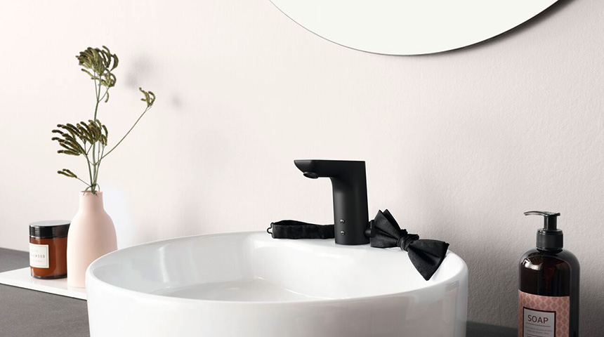 Matte black automatic faucet is ideal choice for increasing bathroom hygiene and saving on water bills.